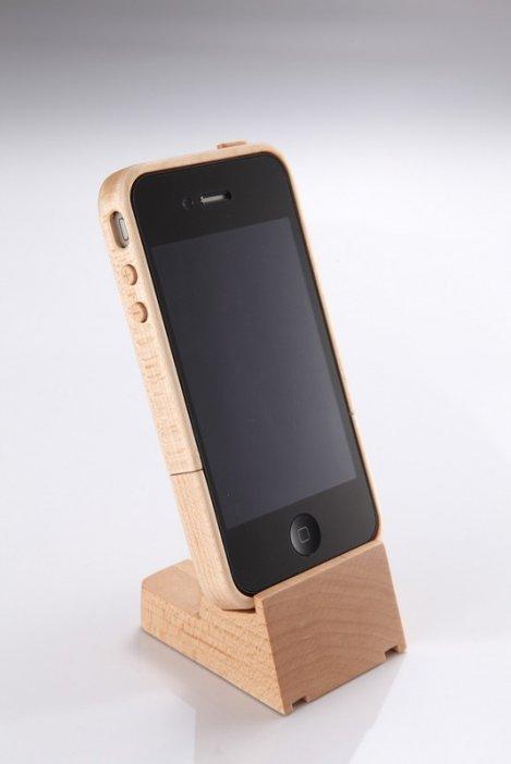 iphone-4-maple-wood-case-stand-nib.jpg